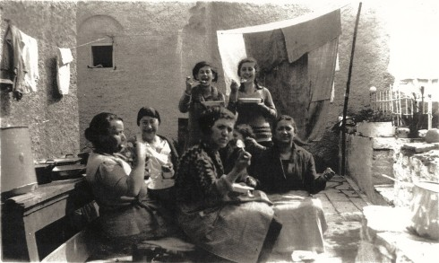 Passover in Ioannina Bechoropoulos & Attas Family 1933