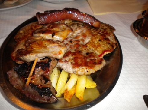 Dormitor-huge-mixed-grill
