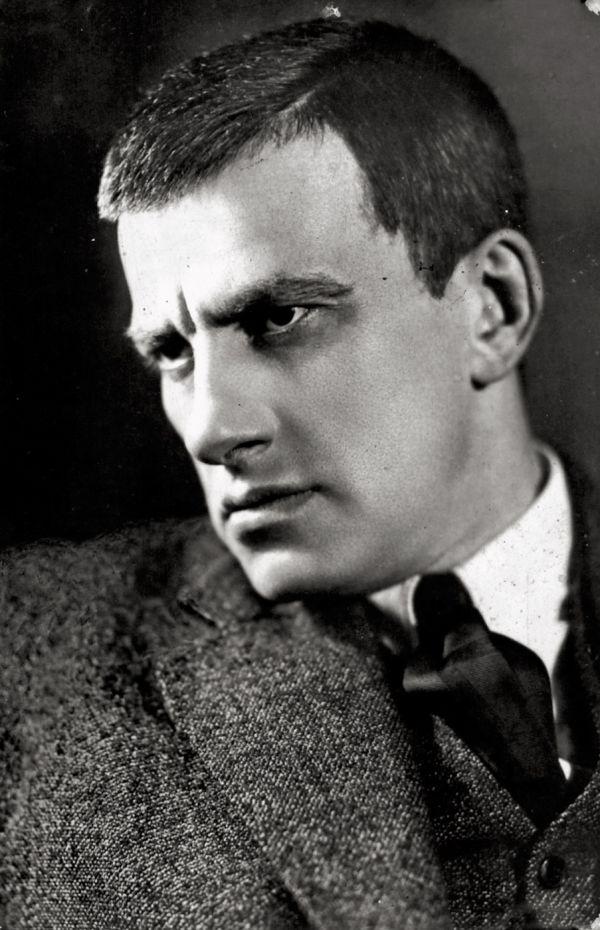 vladimir-mayakovsky-1924-rodchenko-1372290543_b