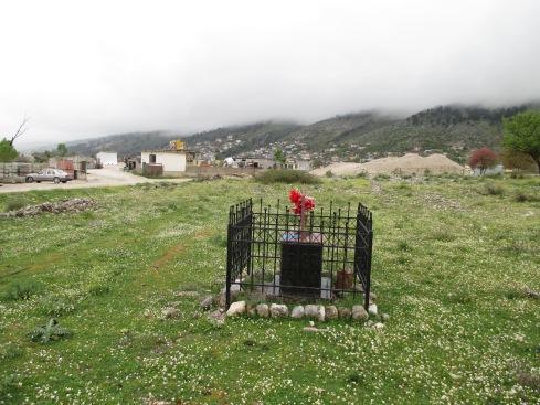 Buci grave 2.jpg