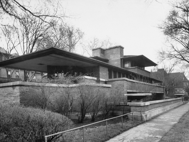 Exterior of Robie House designed by Frank LLoyd Wright.