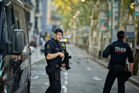barcelona police-1-superJumbo