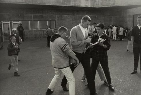 8 06-winogrand14-superJumbo